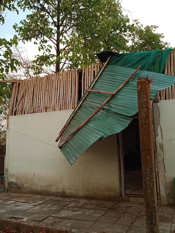 Collapse roof at Parami school